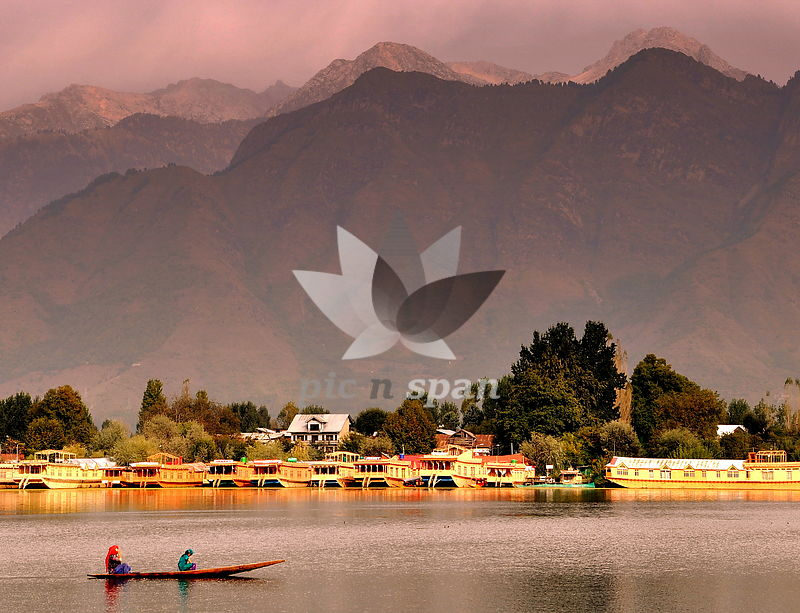 Dal lake Kashmir - Royalty free stock photo, image
