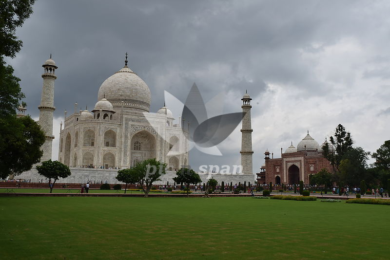 the Taj Mahal - Royalty free stock photo, image